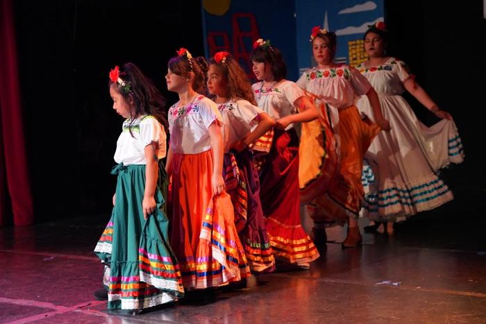 Baile Folklórico (2)