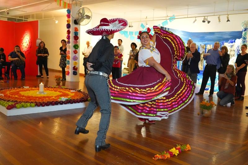 Folklorico dancers (3)