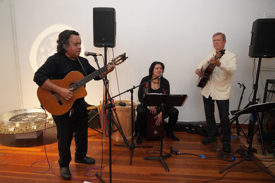 Madelina Y Los Carpinteros (2)